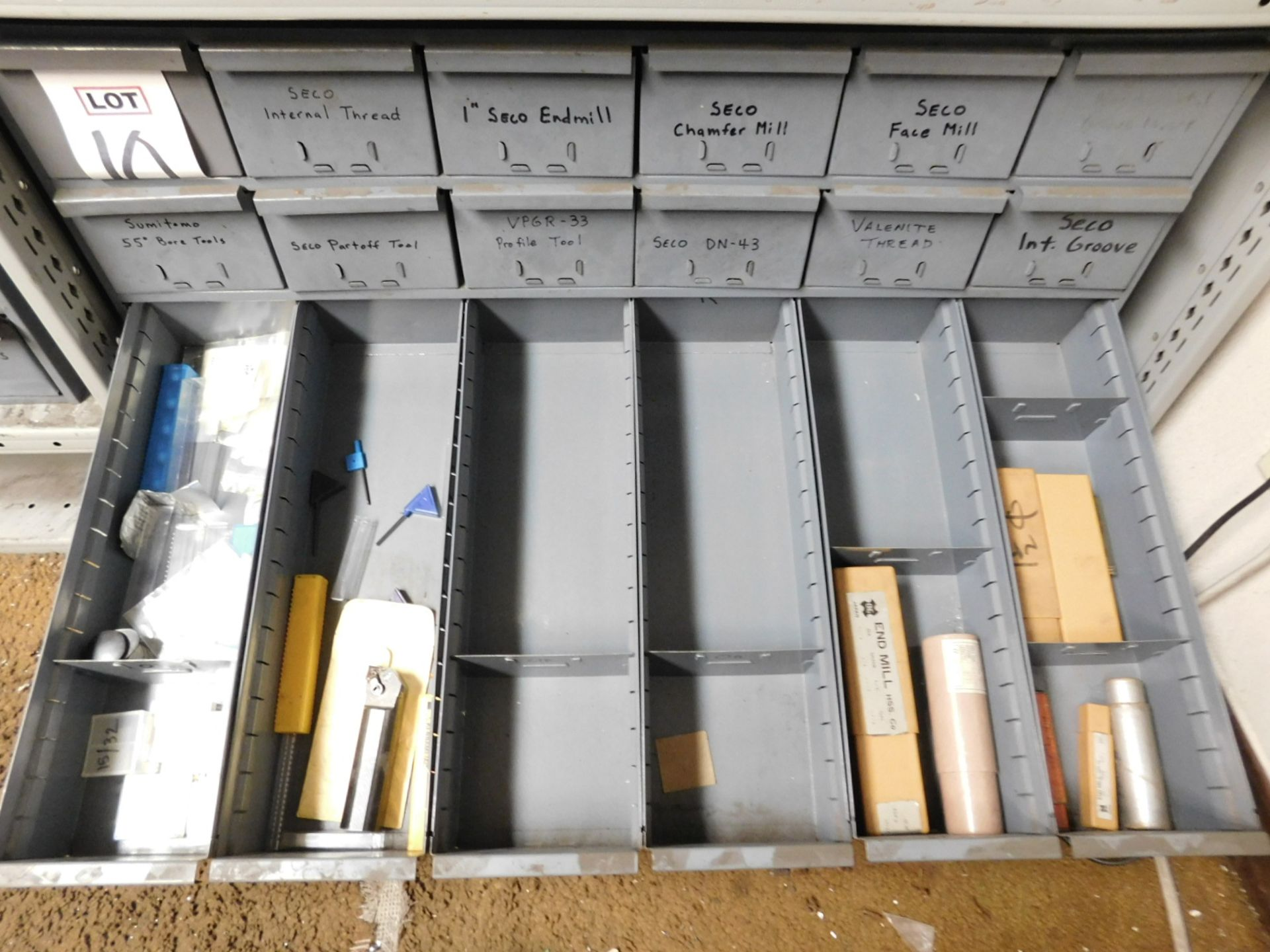 Lot 10 - LOT - 18-DRAWER CUBBYHOLE PARTS CABINET, W/ CONTENTS TO INCLUDE: BORING BARS, CUTTING INSERTS, END