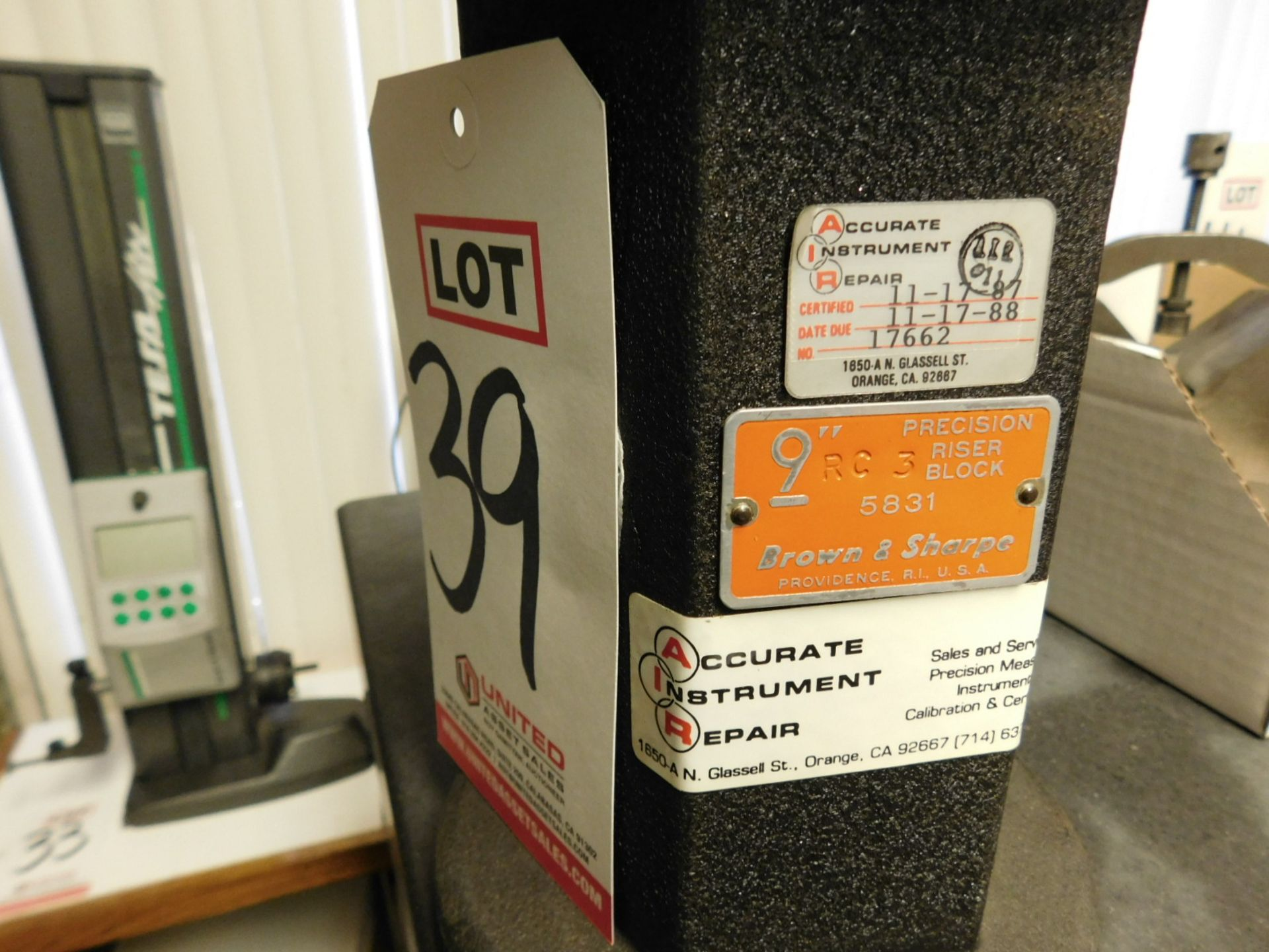 "Lot 39 - BROWN & SHARPE 9"" PRECISION RISER BLOCK, NO. 5831"