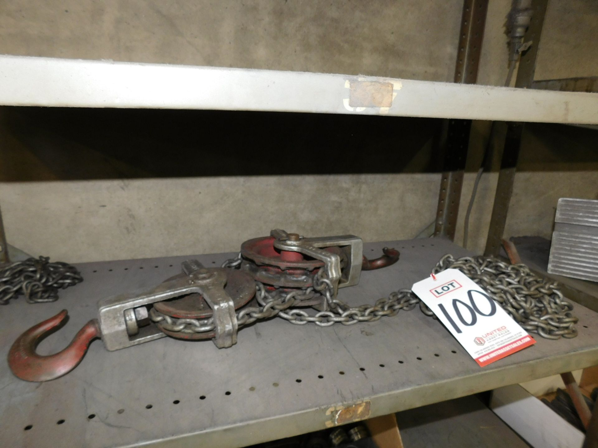 MANUAL CHAIN HOIST, 1,000 LB CAPACITY