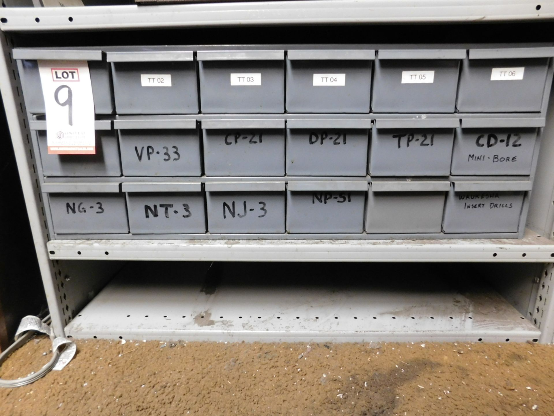 Lot 9 - LOT - 18-DRAWER CUBBYHOLE PARTS CABINET, W/ CONTENTS TO INCLUDE: PIN & PLUG GAGES, CUTTING