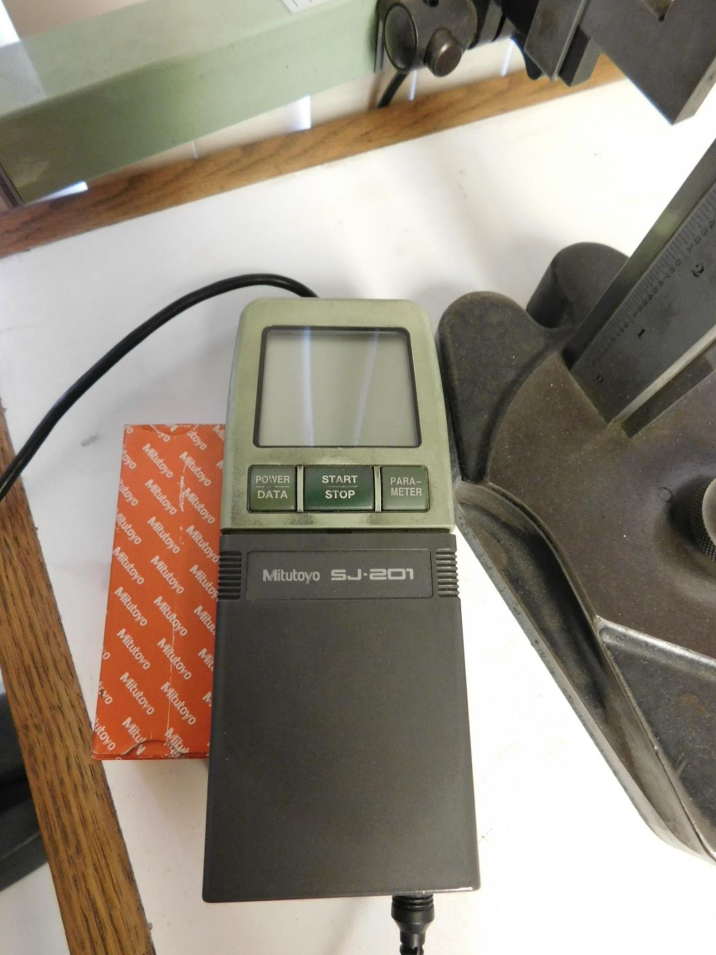 "Lot 34 - LOT - STARRETT NO. 254 MASTER VERNIER 20"" HEIGHT GAGE, W/ MITUTOYO SJ-201 SURFACE ROUGHNESS TESTER"