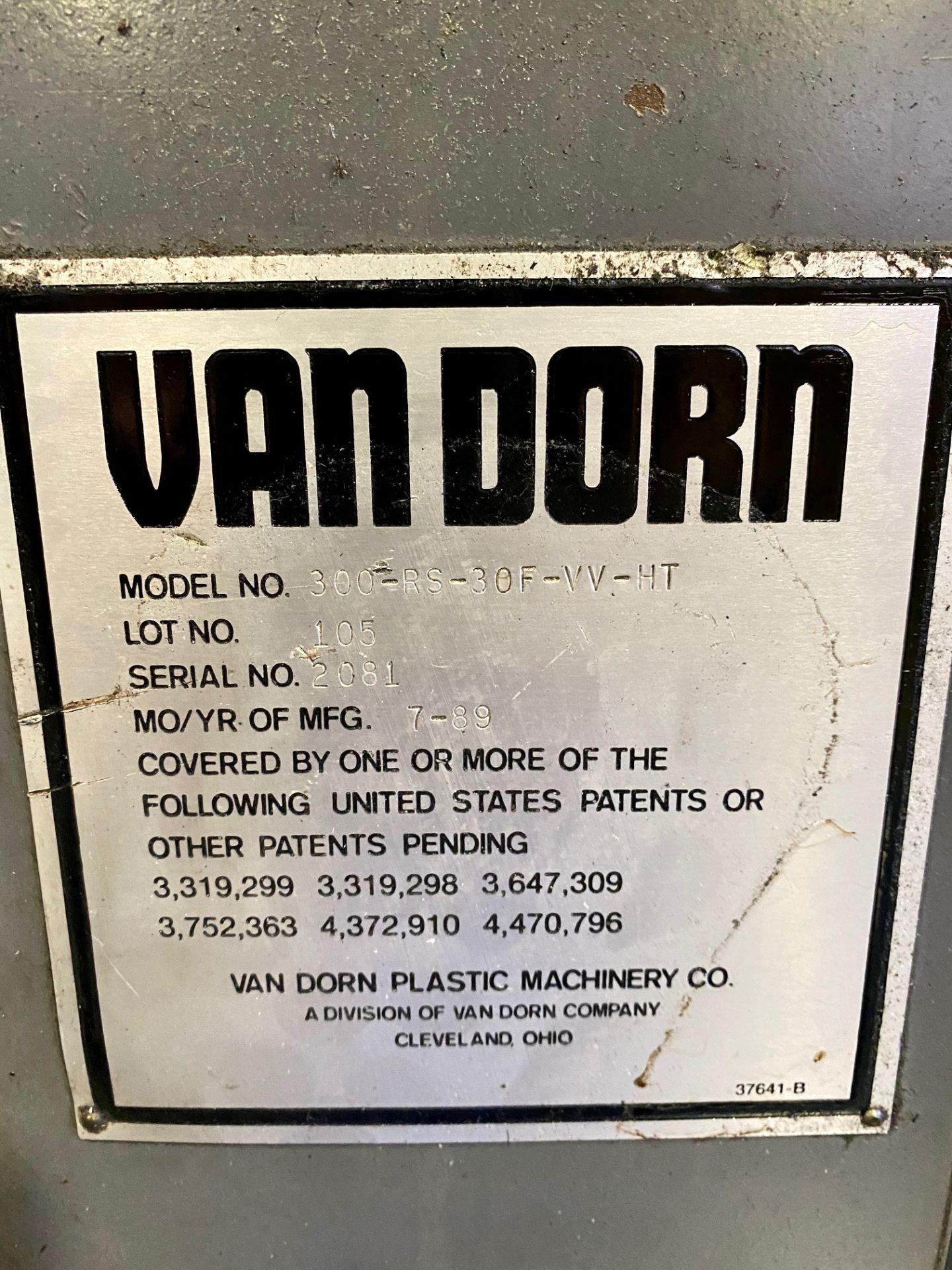 Lot 8 - 1989 VAN DORN 300 TON, MODEL 300-RS-30F-VV-HT, PATHFINDER 3000 CONTROL, 30 OZ SHOT SIZE