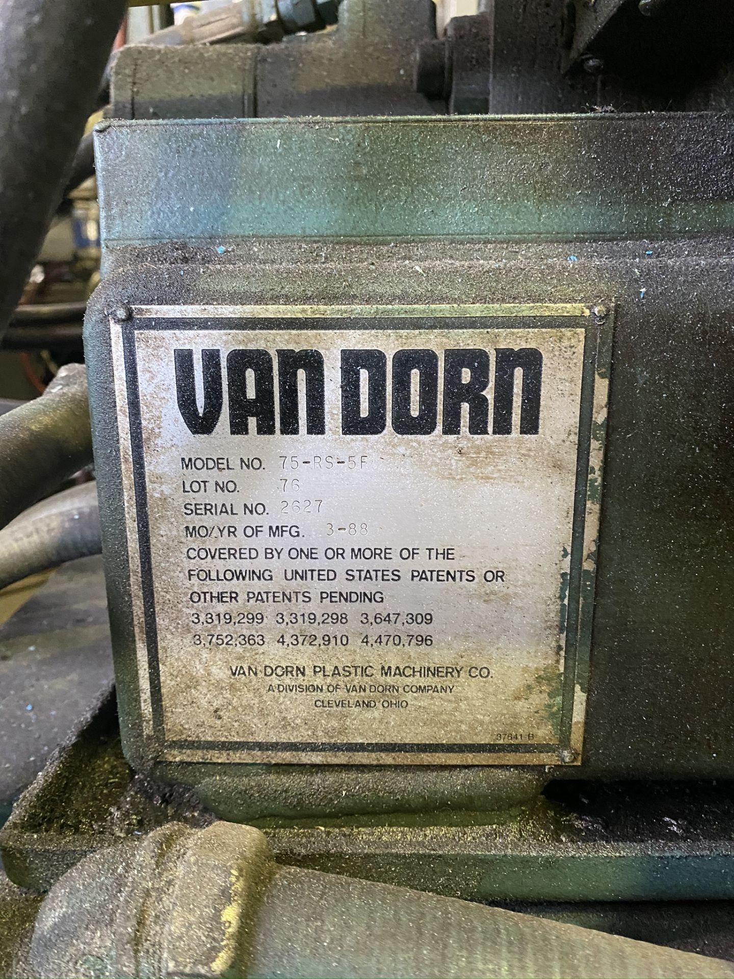 "Lot 12 - 1988 VAN DORN 75 TON, MODEL 75-RS-7T, PATHFINDER 4500 CONTROL, 25.4 OZ SHOT SIZE, 32"" X 32"" PLATENS"