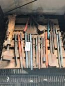 LOT - INGERSOLL-RAND PNEUMATIC JACK HAMMER W/ ASSORTED BITS