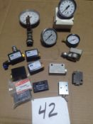 LOT - ALL NEW: PRESSURE GAUGES, NORGREN SHUTTLE VALVES AND QUICK EXHAUST VALVES