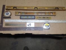 LOT - LEVEL INDICATORS, STEEL RULERS, TAPE MEASURE