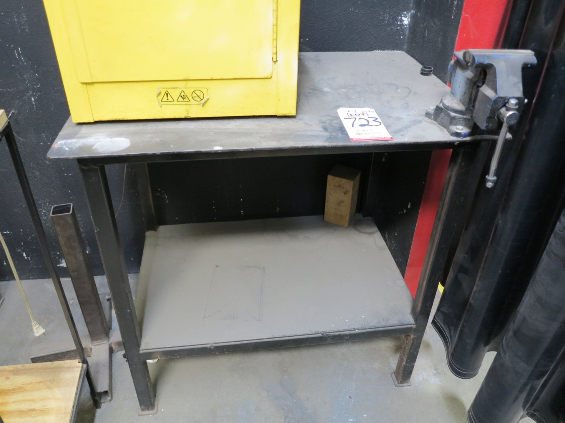 """Lot 723 - LOT - 34"""" X 24"""" X 3/8"""" TABLE W/ BENCH VISE AND (1) TIG ROD HOLDER"""