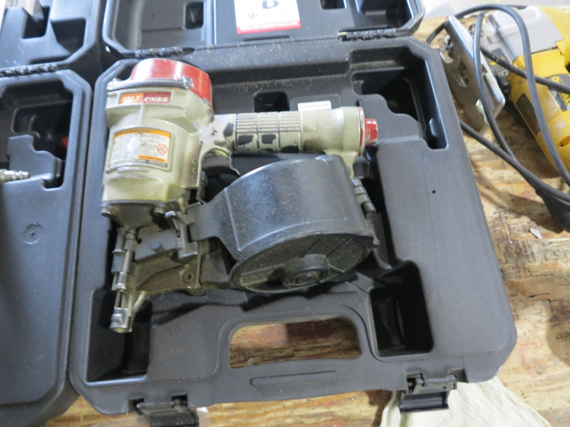 Lot 850D - MAX CN55 INDUSTRIAL COIL NAILER, W/ CASE