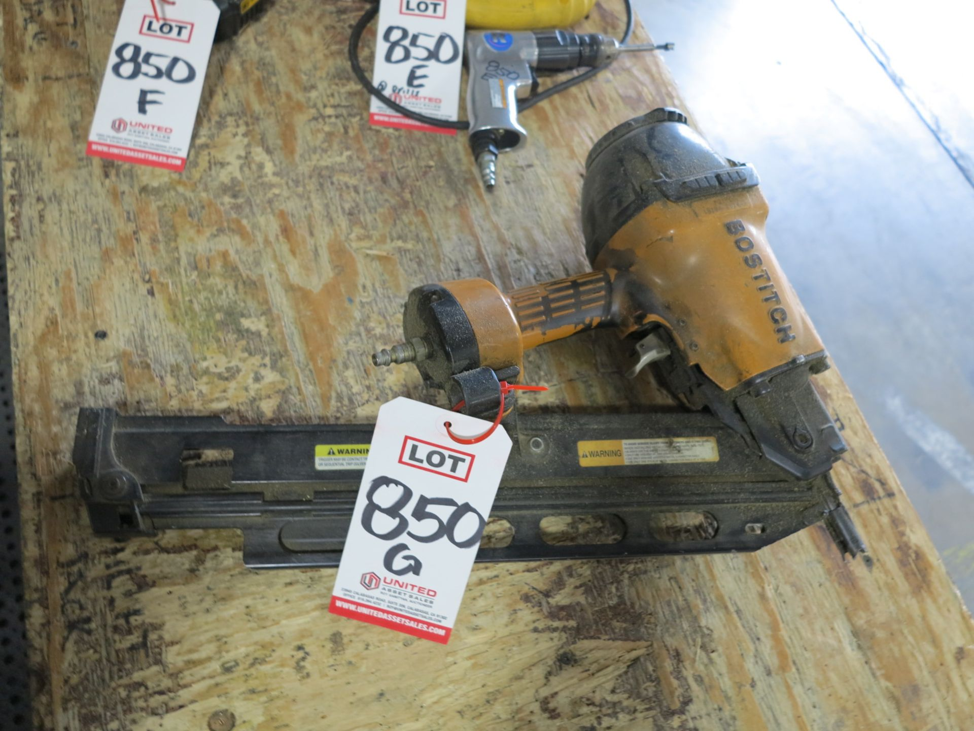 Lot 850G - BOSTITCH F21PL PNEUMATIC FRAMING NAILER