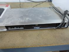 LOT - (1) DVD PLAYER, (1) FM ANTENNA AND (1) DVD/VHS COMBO PLAYER
