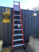 LOUISVILLE MODEL FP1408HD FIBERGLASS 8' A-FRAME LADDER 375, LB CAP (LOCATION: FLEX CONTAINER)