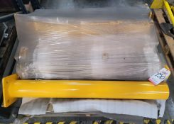 LOT - (7) EXTREME HEAVY DUTY POSTS