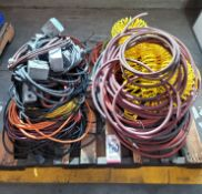 LOT - ELECTRIC CORDS AND AIR HOSES