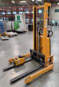 "ULINE H-2651 STRADDLE STACKER PALLET STACKER/ORDER PICKER, 2,200 LB CAPACITY, 42"" FORKS, 63"" LIFT"