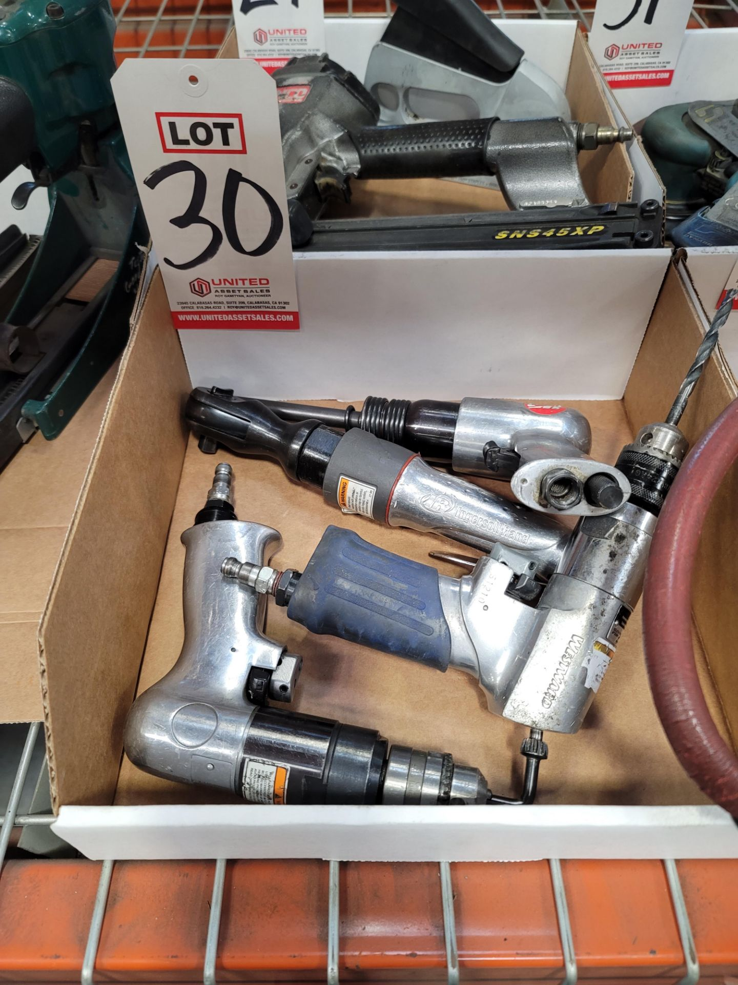 "LOT - (1) INGERSOLL RAND 3/8"" AIR RATCHET, (2) DRILLS AND (1) AIR CHISEL"