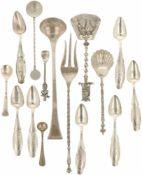 (15) Delig lot diverse schepwerk zilver.