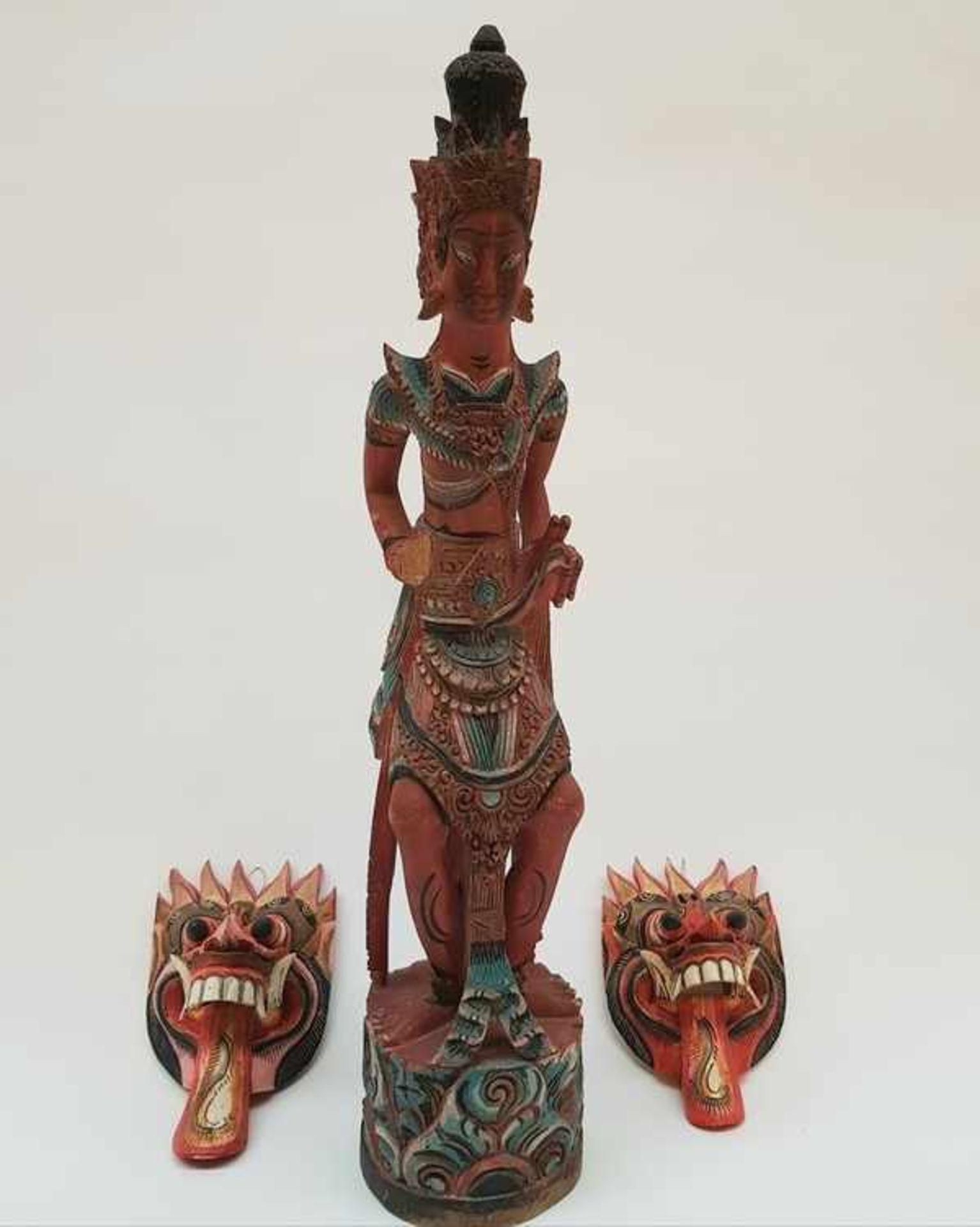 (Etnografica) Houten beelden en maskers, IndonesiÌÇ / Bali 20e eeuw<b