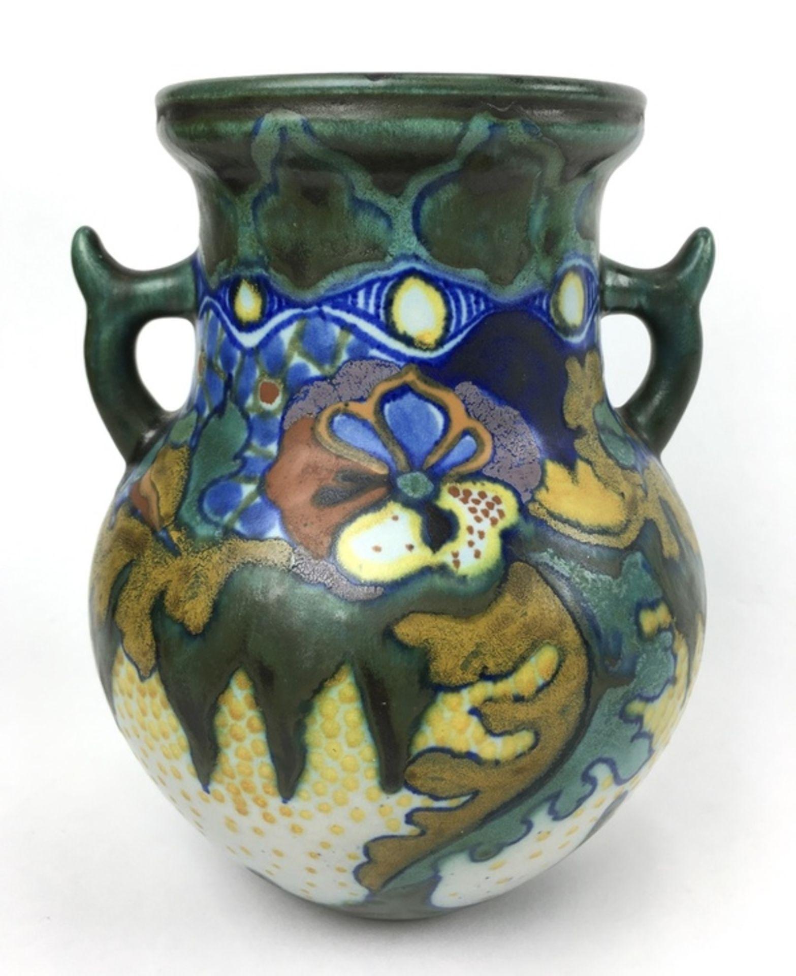 (Toegpaste kunst) Amfora vaas, plateelbakkerij Zuid-HollandAardewerk amfora vaas met decor Coro - Image 3 of 5