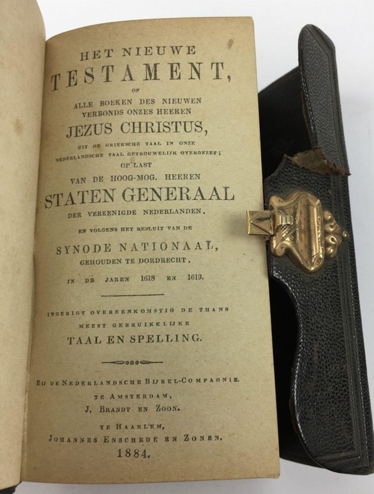 (Antiek) Bijbel en portemonnee met gouden slotenBijbel met leren kaft en gouden slot uit 1884, - Image 5 of 8