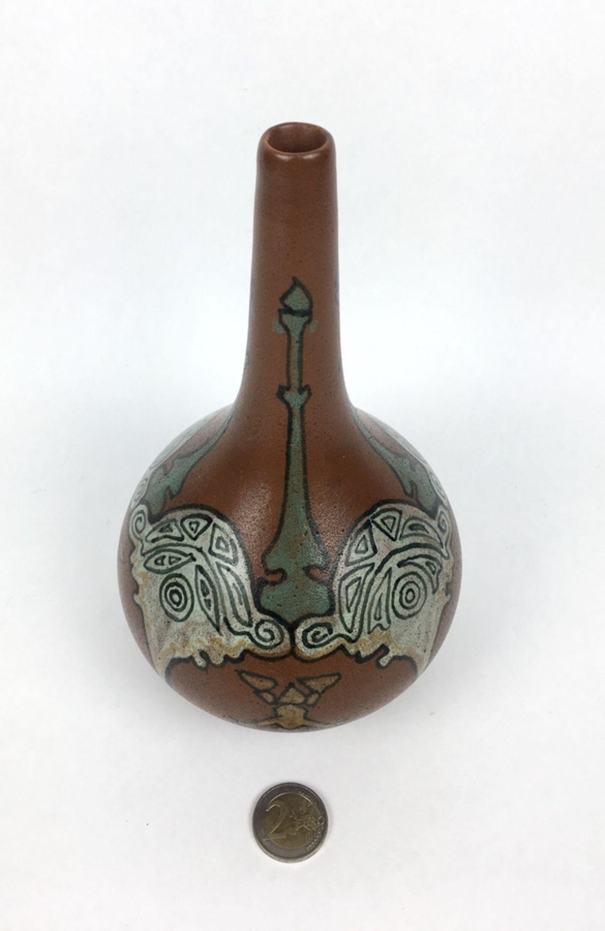 (Toegpaste kunst) Aardewerk vaas, Nienhuis De Distel AmsterdamGeglazuurde aardewerk vaas, gemaa - Image 2 of 5