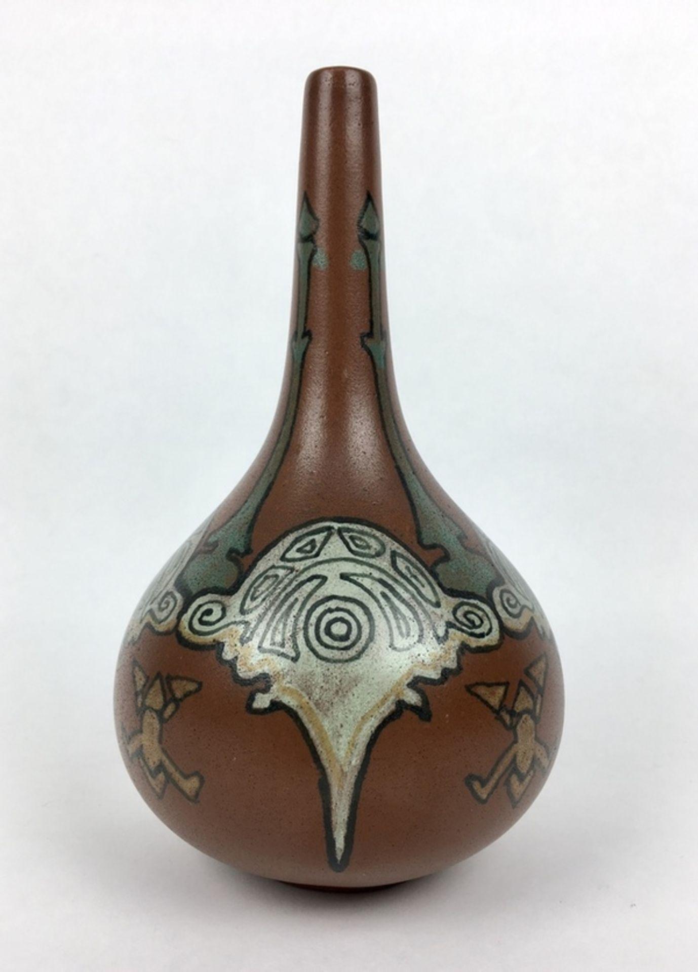 (Toegpaste kunst) Aardewerk vaas, Nienhuis De Distel AmsterdamGeglazuurde aardewerk vaas, gemaa - Image 3 of 5