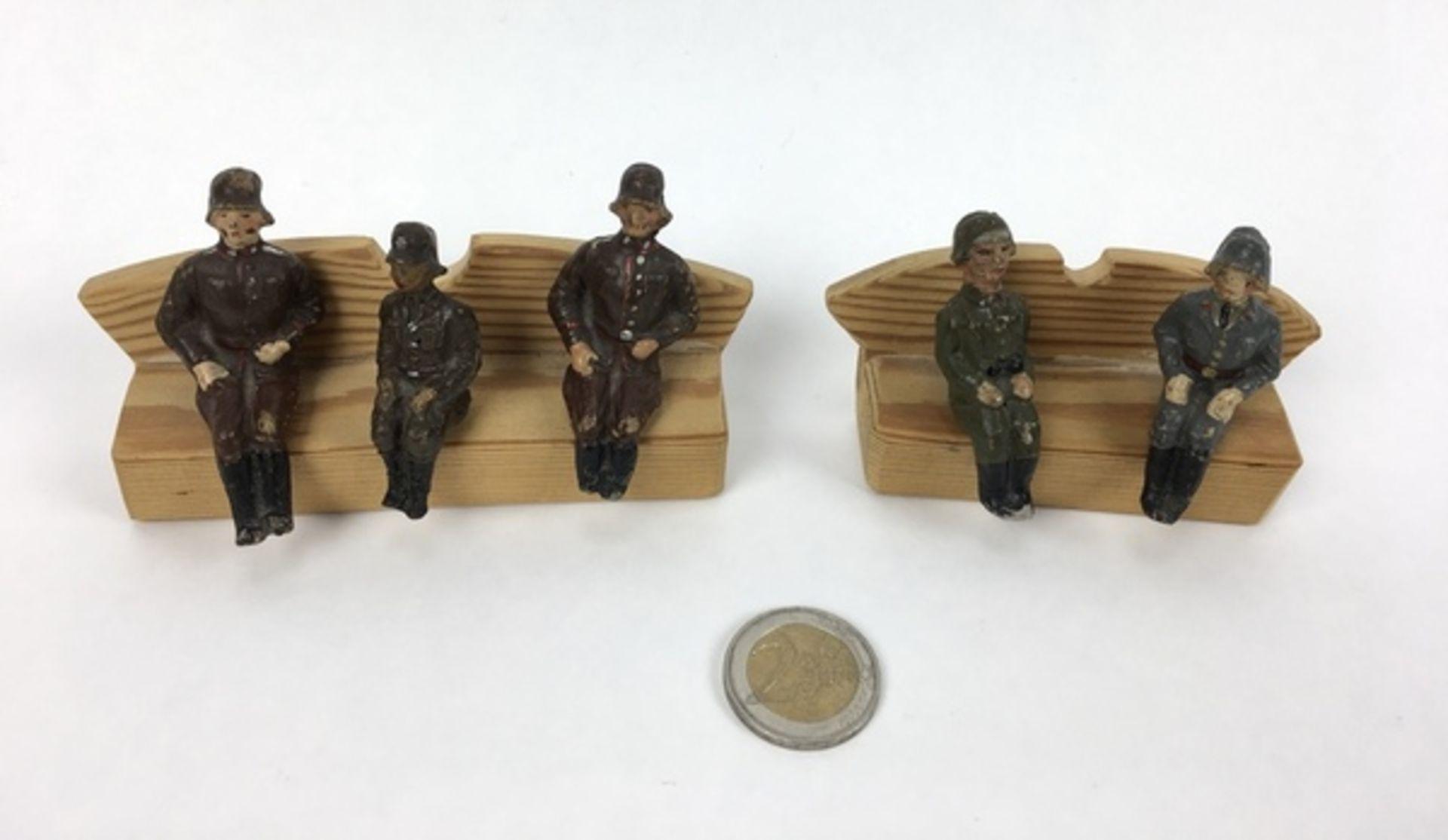 (Curiosa) Elastolin soldatenVijf Elastolin Wehrmacht-figuren, circa 1935. Conditie: In goede st - Image 2 of 7
