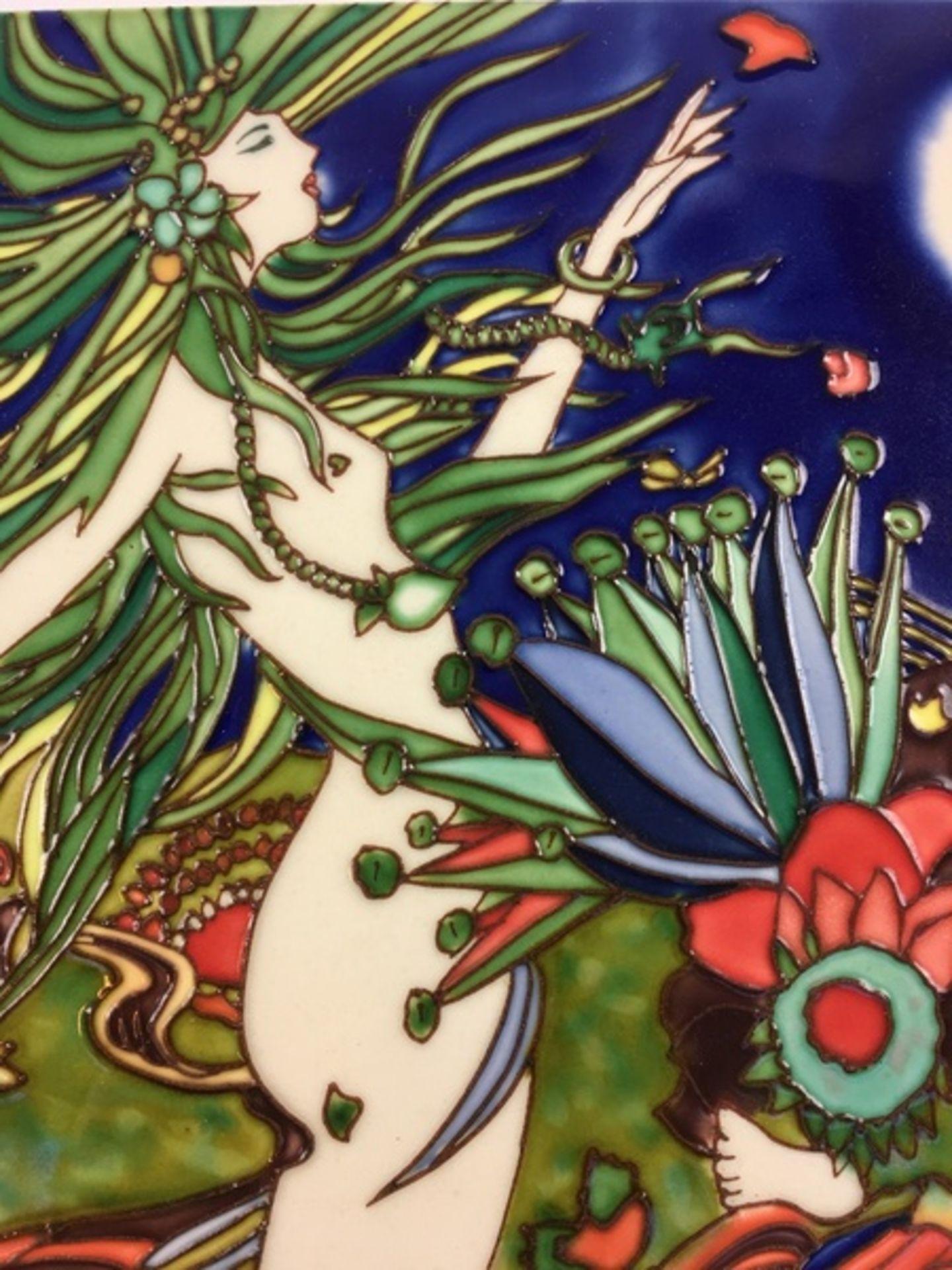 (Design) PlaquetteAardewerk plaquette met Jugendstil motief. Conditie: In goede staat. Afmeting - Image 2 of 3