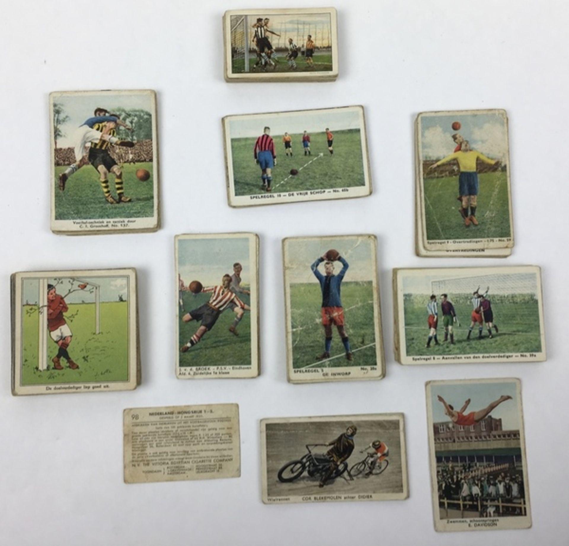 (Curiosa) SportplaatjesDiverse sportplaatjes, voornamelijk voetbal. Conditie: Gebruikssporen. A - Image 7 of 8