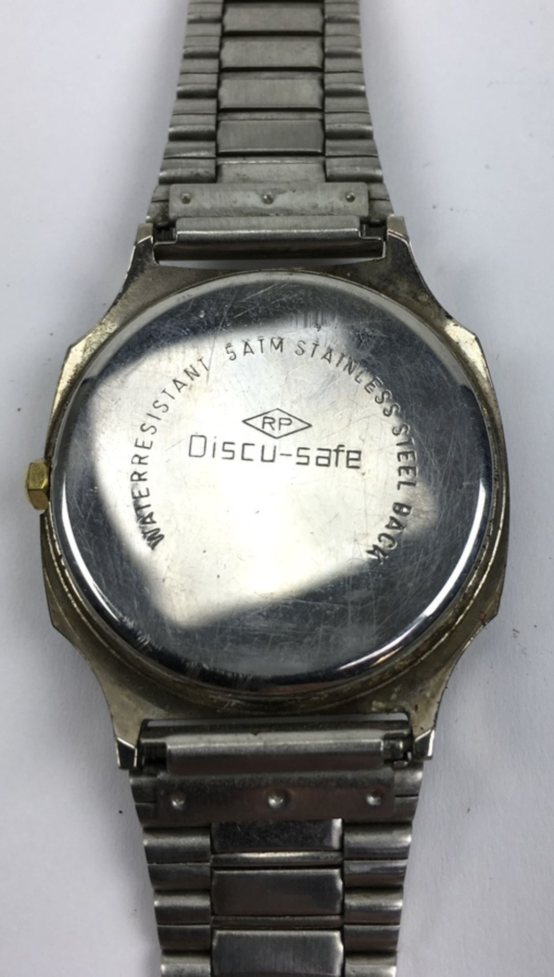 (Sieraden) HorlogesDrie verschillende merken horloges. Conditie: Gebruikssporen, niet getest. A - Image 3 of 7