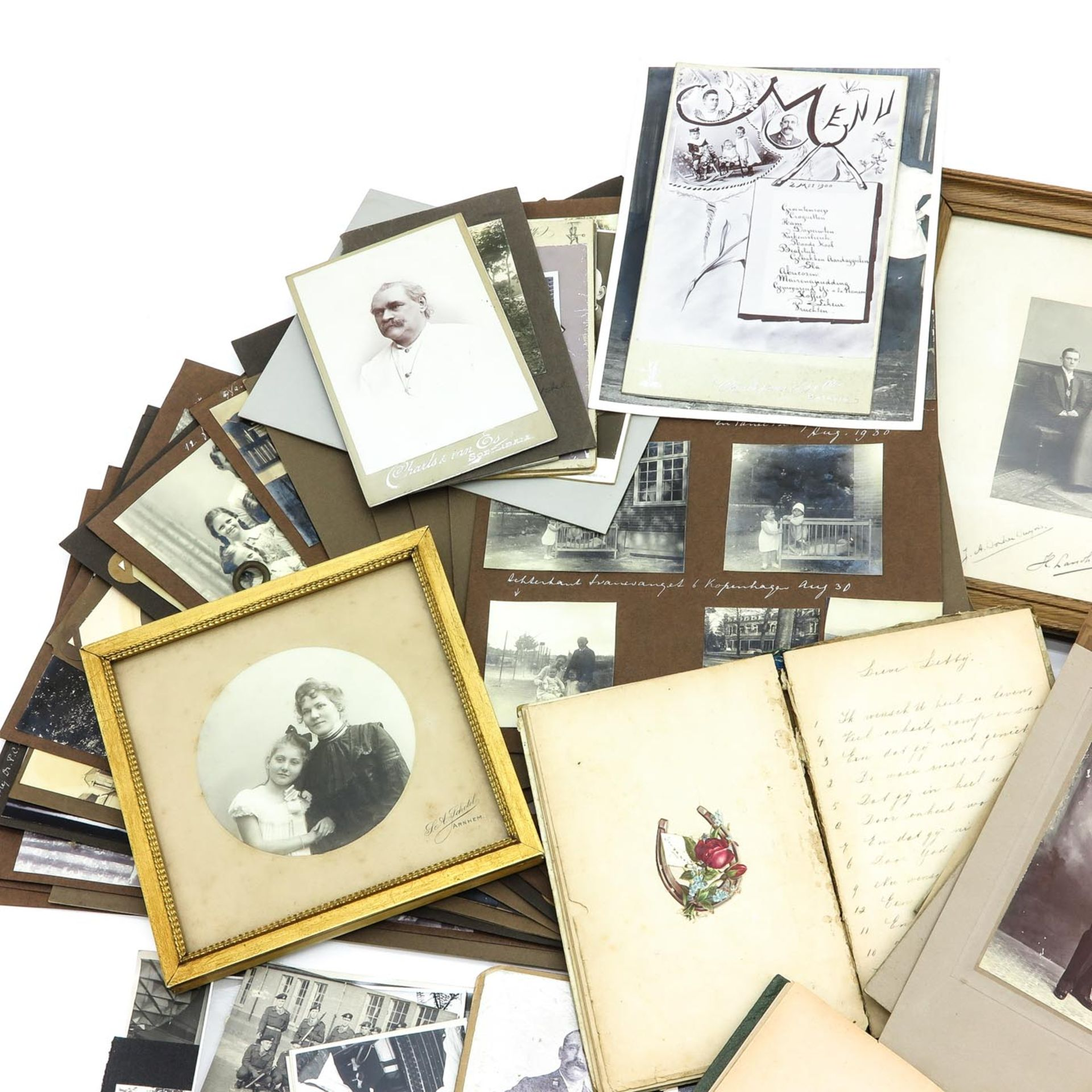 Los 1009 - A Collection of Antique Paperwork