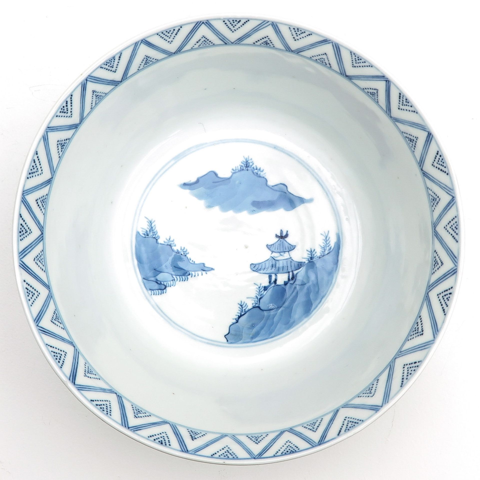 Los 7074 - A Blue and White Bowl