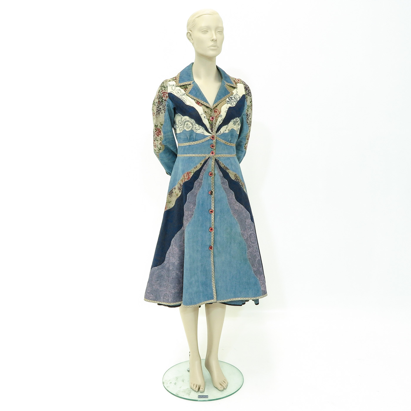 Lot 1147 - A Collection fo 1970s Clothing