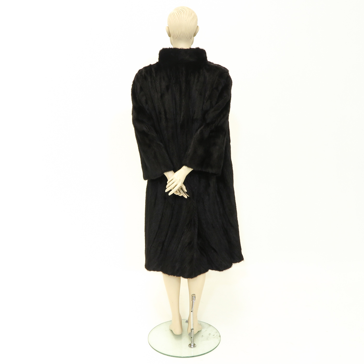 Lot 1084 - A Ladies Mink Stole
