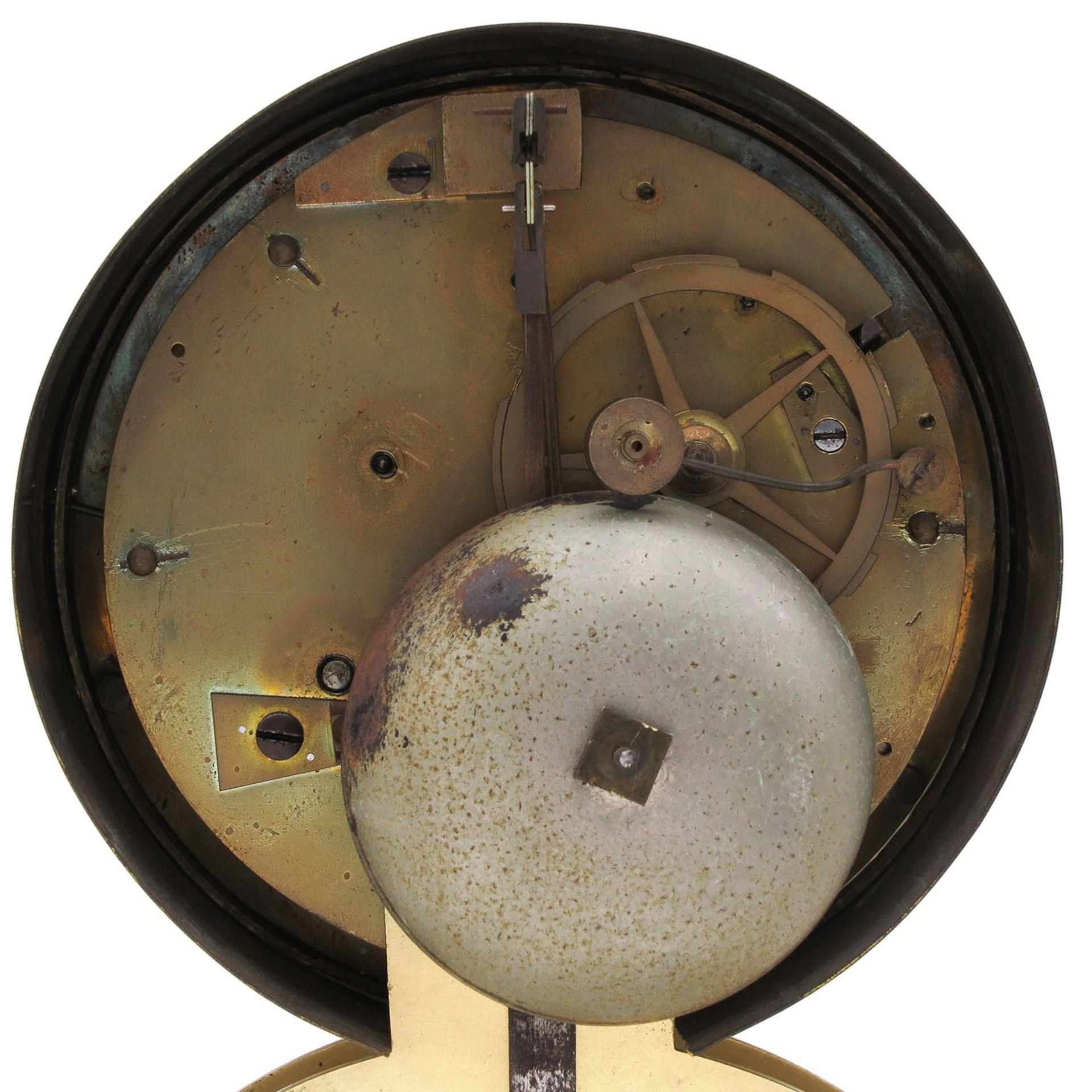 Los 1078 - A 19th Century French Column Clock
