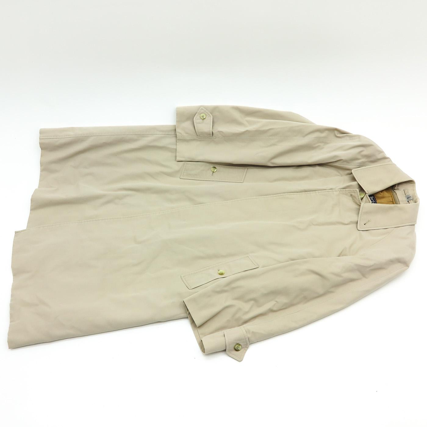 Lot 1028 - A Burberrys Raincoat