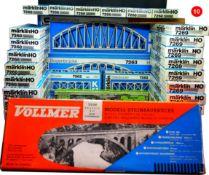 MARKLIN/VOLLMER - Allemagne - & ATLAS - USA - métal/plastique - HO (Lot de 37)