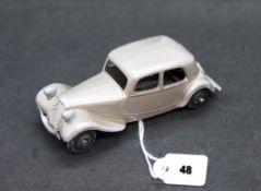 DINKY-TOYS - France - métal - 1/43e (1)