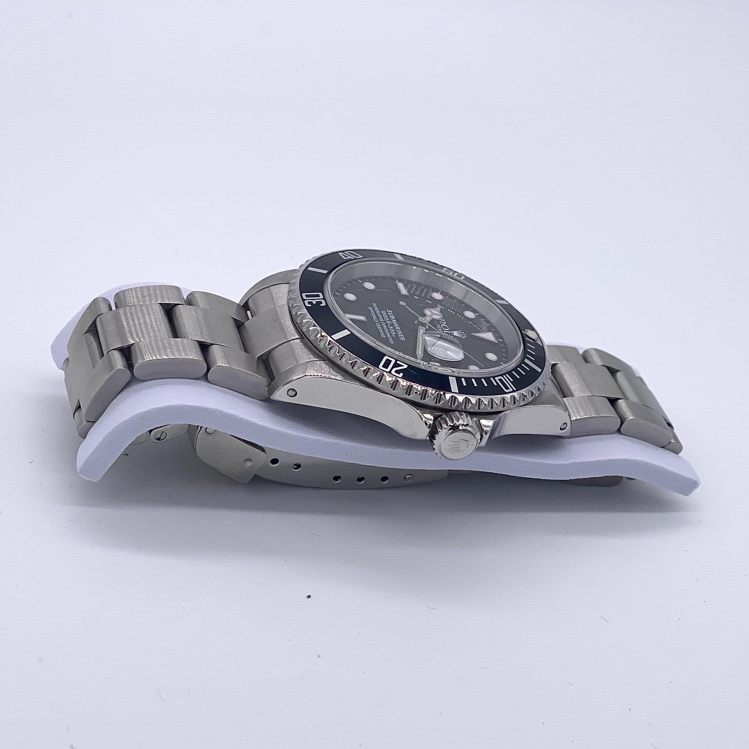 Lot 2 - Rolex Submariner 16610