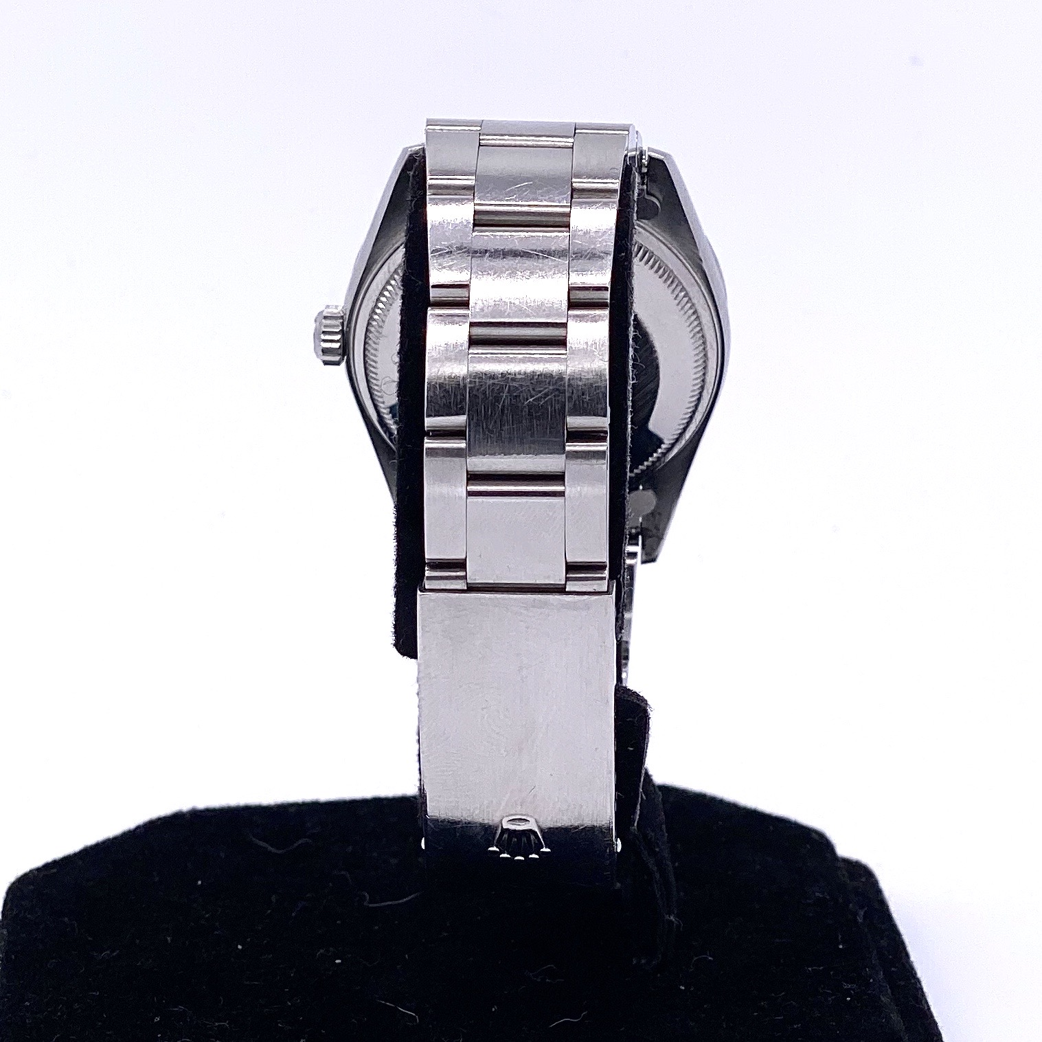 Lot 28 - Rolex Oyster Date ref 15210