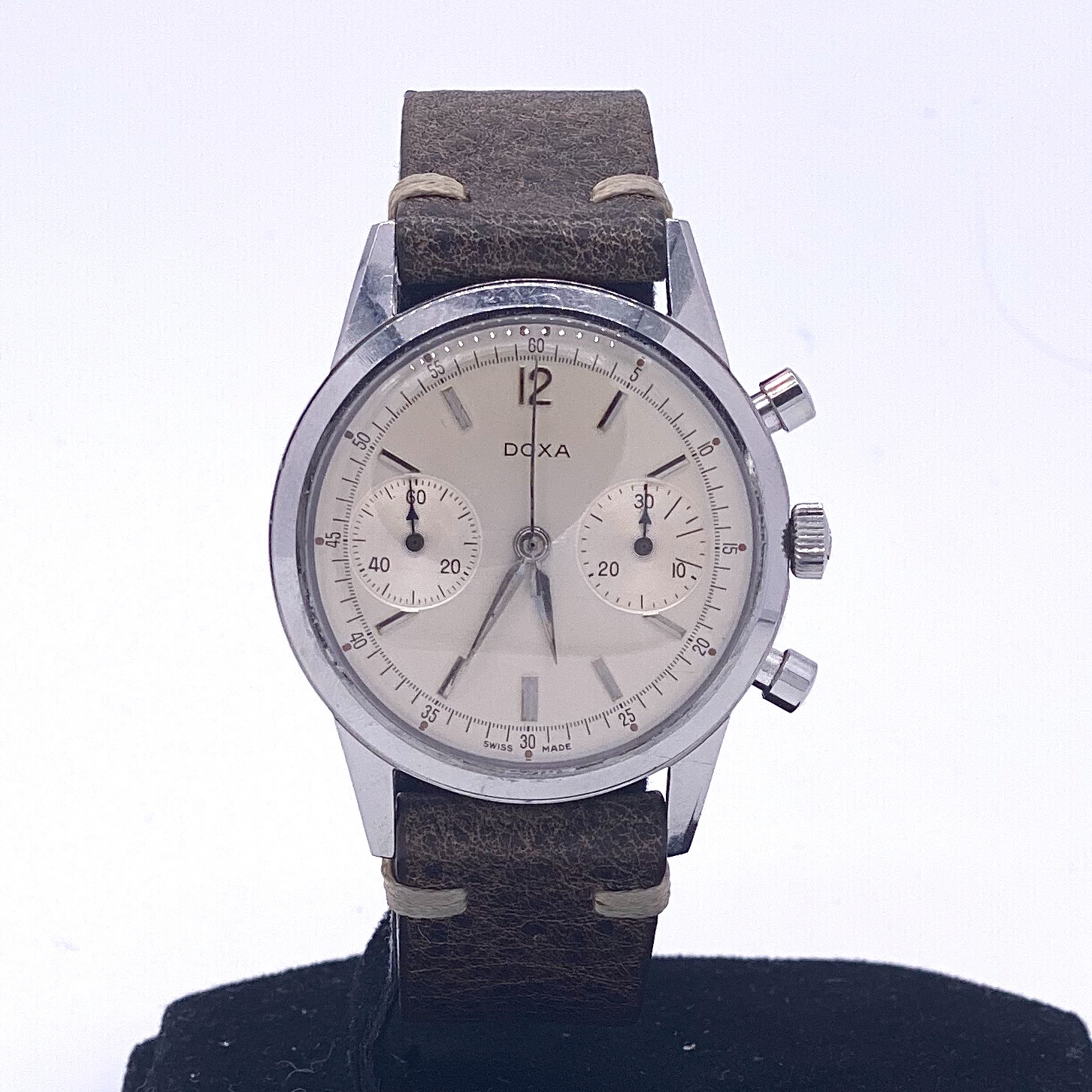 Lot 19 - Doxa Vintage Twin Chronograph ref 7105A