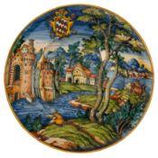 PIATTO IN MAIOLICA POLICROMA, BOTTEGA FONTANA, FORNACE DI URBINO, CIRCA 1560