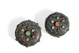 TWO SILVER-GILT FILIGREE PASTE AND HARDSTONES ROUND BOXES, CHINA, LATE 19TH CENTURY (2)