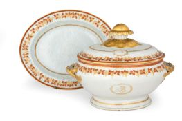 A LARGE CHINESE EXPORT TWO-HANDLED TUREEN, COVER AND STAND LATE 18TH, EARLY 19TH CENTURY