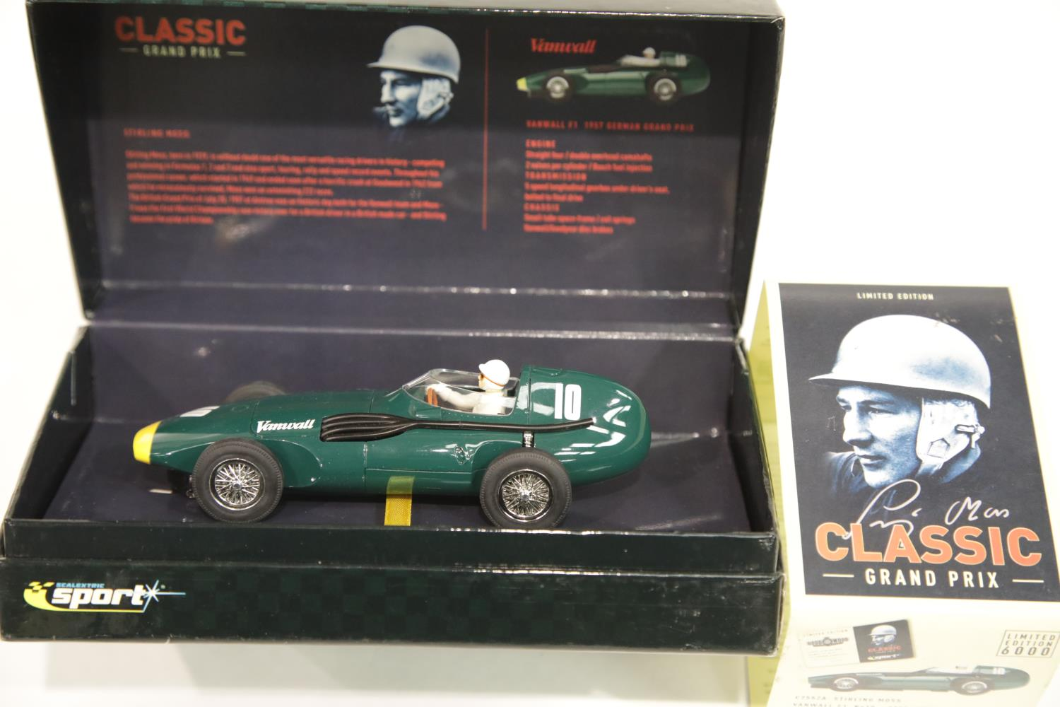 Lot 685 - Scalextric C2552A Vanwall F1 Stirling Moss 1957 Goodwood Revival. P&P Group 1 (£14+VAT for the first
