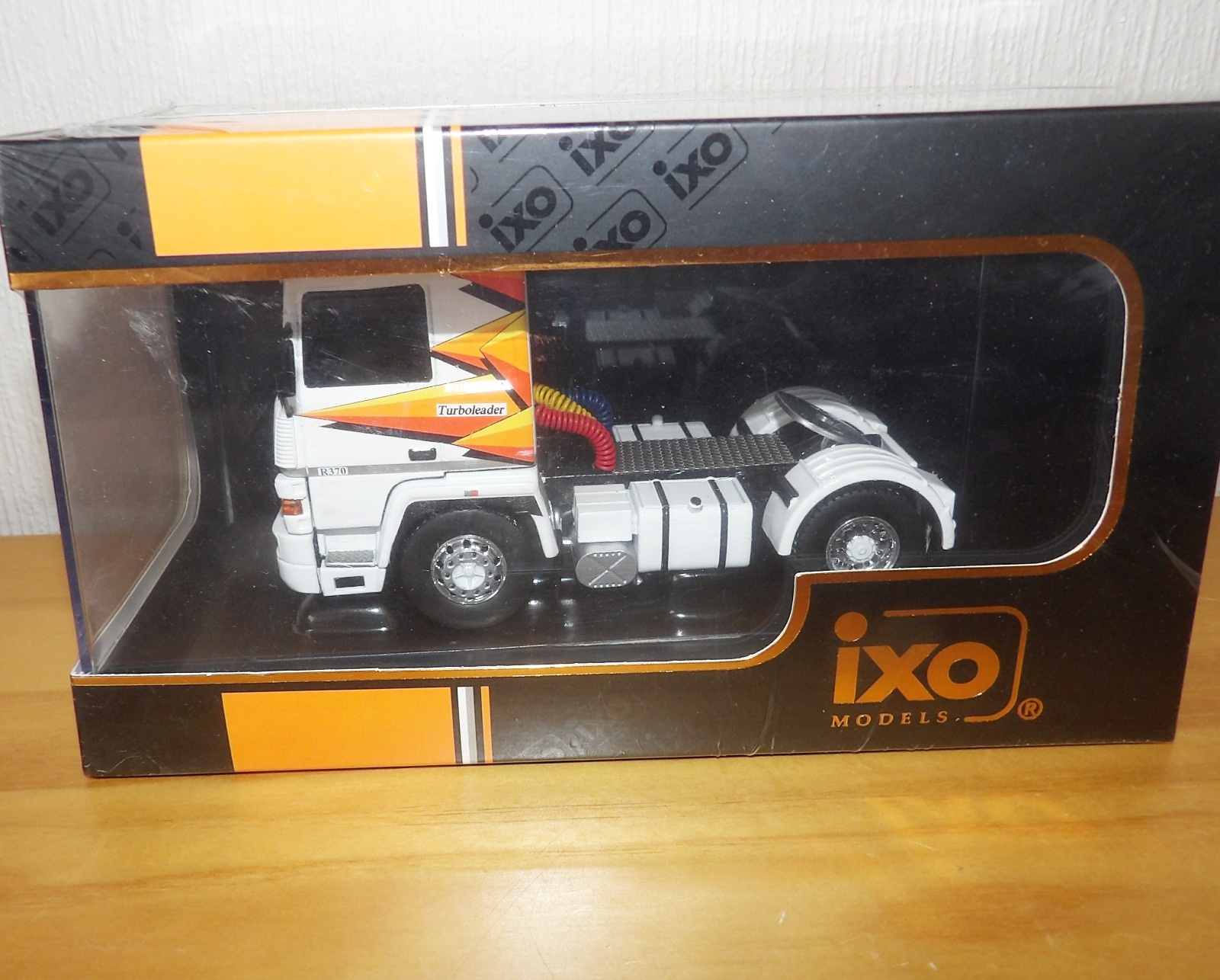 Lot 713 - 1.43 Scale IXO Renault R370 Turboleader 1987 Tractor Unit. P&P Group 1 (£14+VAT for the first lot
