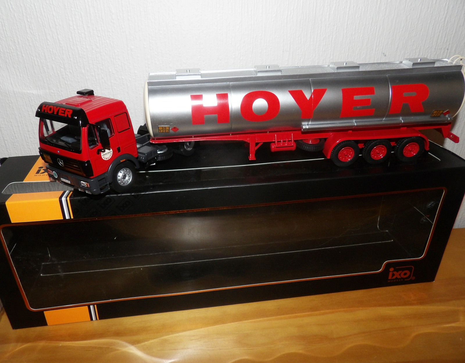 Lot 704 - 1.43 Scale IXO Mercedes Benz SK1844 Tanker Trailer HOYER 1994. P&P Group 1 (£14+VAT for the first