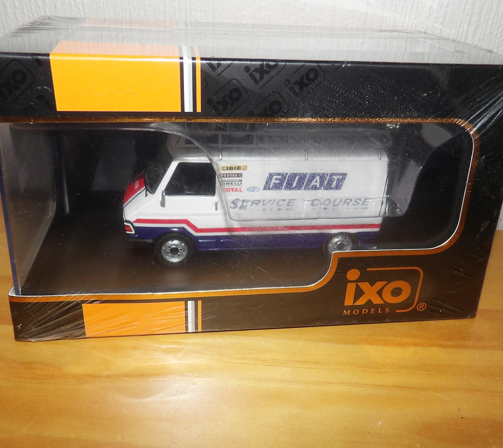 Lot 715 - 1.43 Scale IXO Fiat 247 Fiat France Service Course Van 1979. P&P Group 1 (£14+VAT for the first