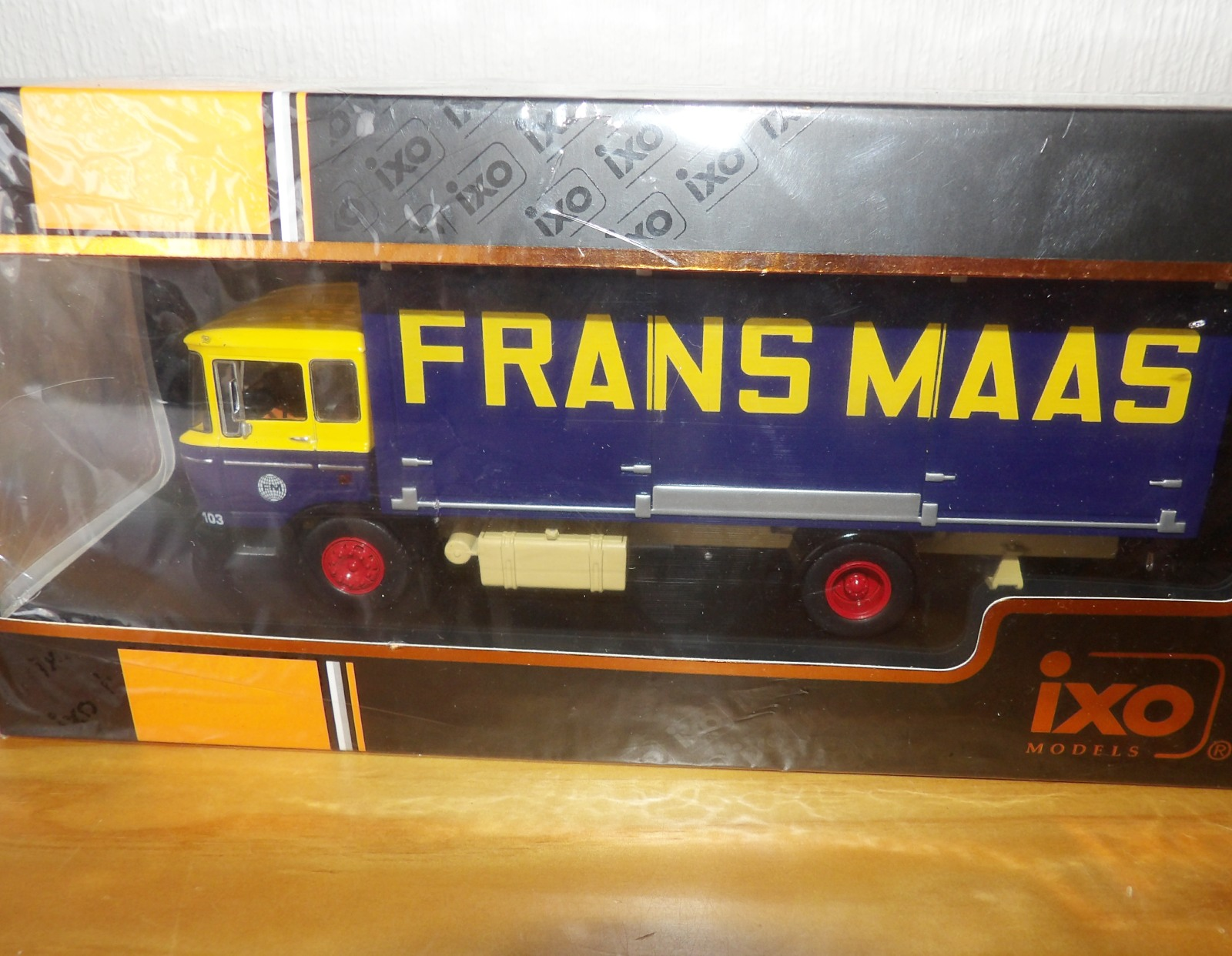 Lot 718 - 1.43 Scale IXO DAF 2600 1965 FRANS MAAS. P&P Group 1 (£14+VAT for the first lot and £1+VAT for