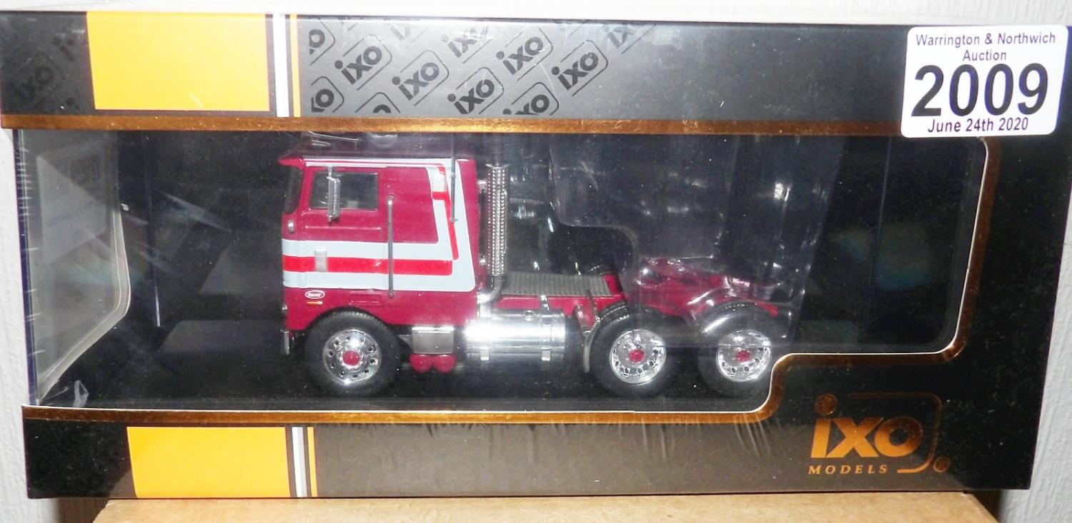 Lot 2009 - IXO 1.43 Scale Peterbilt 352 Pacemaker 1979. P&P Group 1 (£14+VAT for the first lot and £1+VAT for