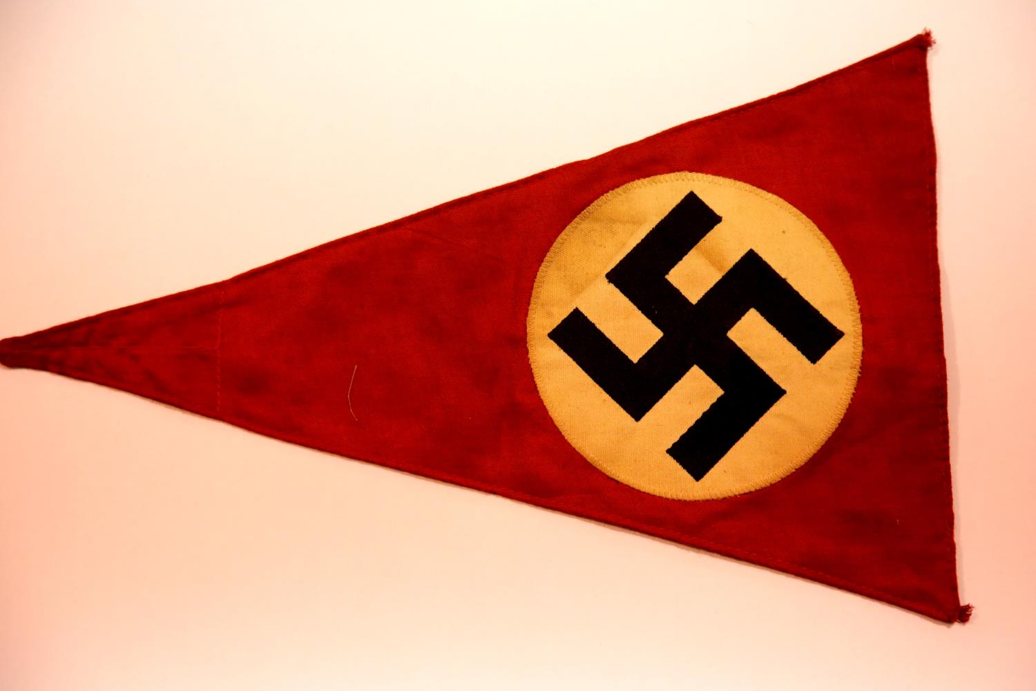 Lot 3022 - German WWII type pennant, L: 36 cm. P&P Group 1 (£14+VAT for the first lot and £1+VAT for subsequent